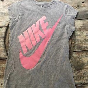 Youth girls Nike tee